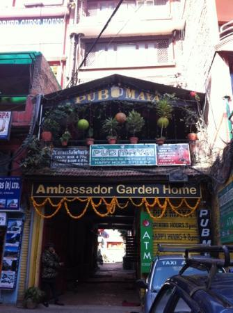 Ambassador Garden Home: the entrance