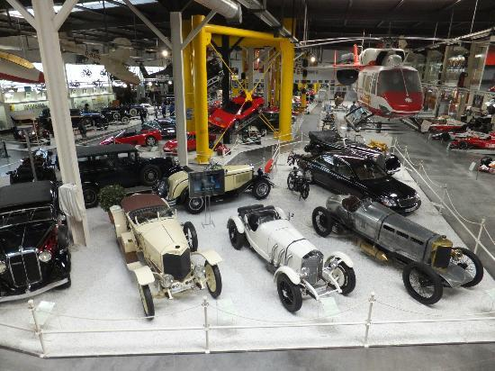 Auto & Technik Museum (Automobile and Technology Museum): 内部