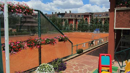 Maxi Park Hotel & Spa : Tenniscourt