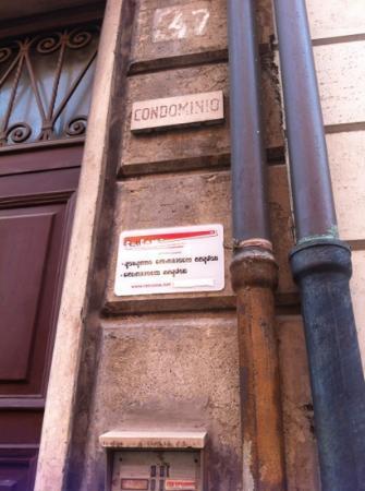 Retrome Rome: entrance