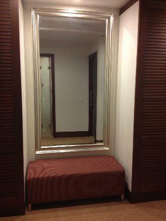 El Aurassi Hotel : Rennovated room
