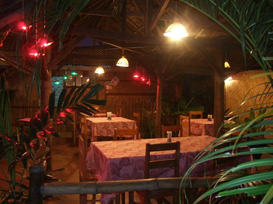 La Tana Della Libellula: the restaurant in the night