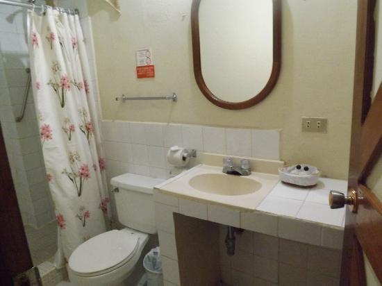 Hotel Casona de la Isla: Salle de bain dans un coulior