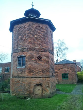 ‪Moseley Dovecote‬