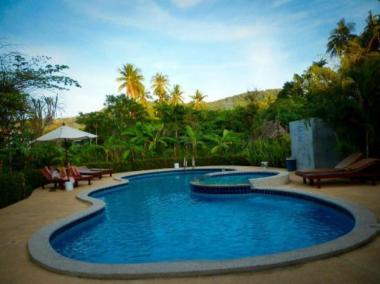 Sunda Resort: pool area