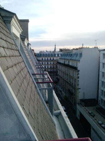 Le Marceau Bastille Hotel: View from room (6th floor)