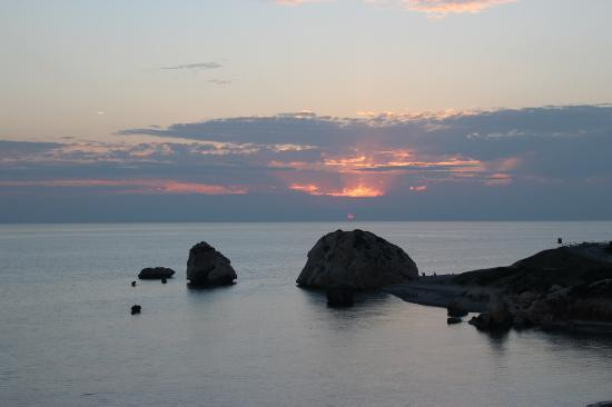 Paphos Wine Tours: Sunset over Aphrodite rock