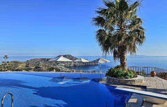 Stefanos Village Hotel: Swimming Pool