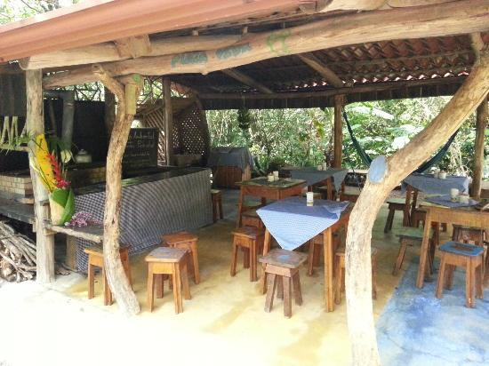 Nacientes Palmichal: Outside dinning area