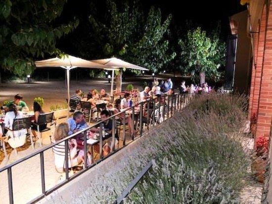 Les Escoles: Terraza, patio
