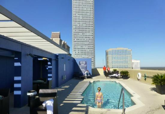 Rooftop pool and hot tub picture of magnolia hotel Summit hotel magnolia swimming pool