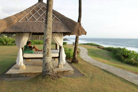 Pan Pacific Nirwana Bali Resort: view to tanah lot