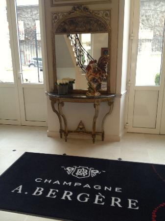 Champagne Andre Bergere : Hall