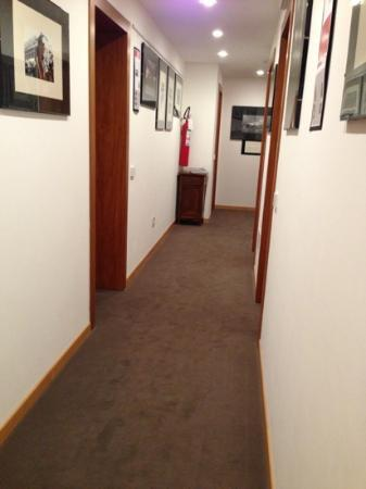 Hotel Mezzaluna: corridoio piano terra