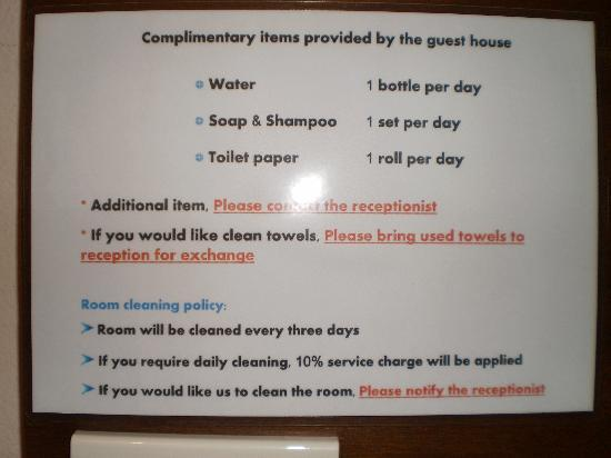 Thaphae Garden Guesthouse: Strict rules