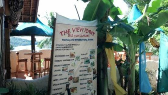 The View Point Bar and Restaurant: The view into the View Point from the road to Sabang from Puerto Galera.