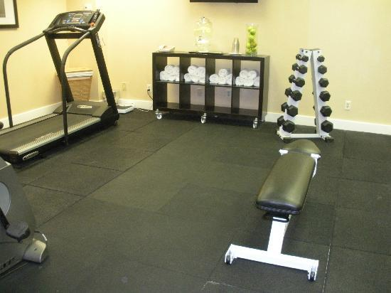 Artmore Hotel : Fitness room