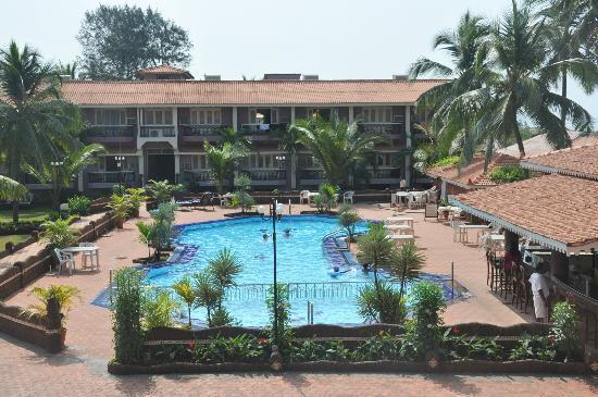 Hotel Goan Heritage: Hotel and the pool