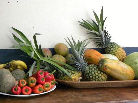 Soluxe El Sesteo Hotel: Frische, tropische Früchte zum Frühstück