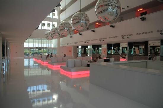 Hotel Su: amazing chillout bar area