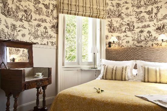 """Domaine de la Tortiniere: Chambre """"Suite"""" au Château"""