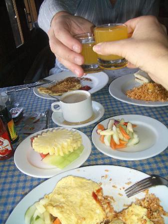 Cafe Lava Hostel : rich breakfast