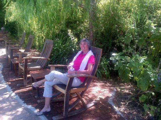 Augusta de Mist Country House: Rocking on a wine barrel rocker