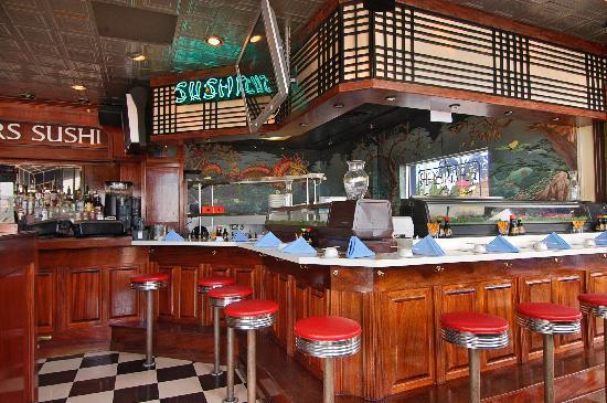 Mahi Mah S Seafood Restaurant Oceanfront Sushi Bar