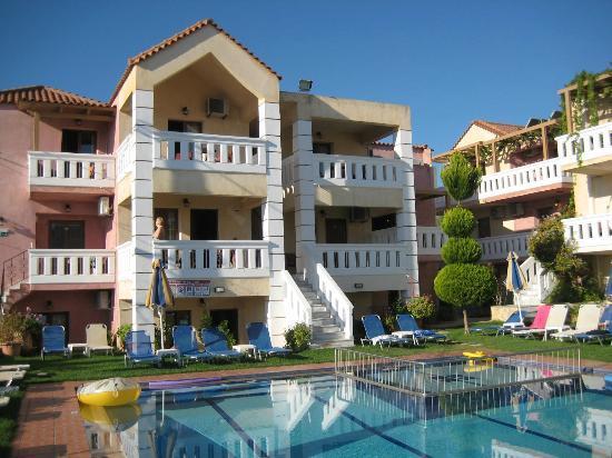 Kokalas Resort Georgioupoli: Some of the apartments