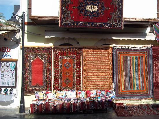 Camel Pension & Apartments: Street Vendors 1 minute walk from Hotel