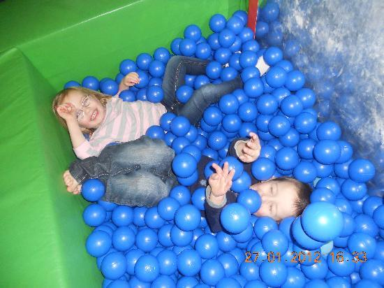 Bonkerz Fun Centre: fun in the ball pit!