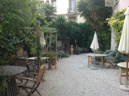 โรงแรมไนซ์การ์เดน: garden