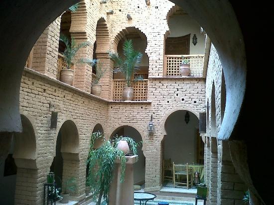Dar Jnan Tiouira: central courtyard
