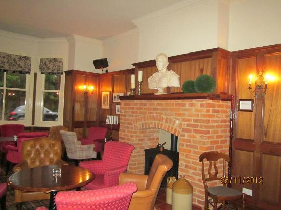 The Roman Camp Inn: Longe Bar
