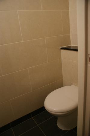 Bedford Hotel: Baño
