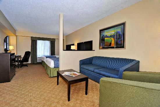 BEST WESTERN PLUS Waynesboro Inn & Suites Conference Center: Suite with 2 Queen Beds