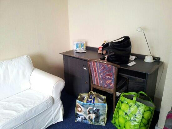 Hotel Beau Site: Bureau