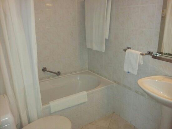 Hotel Beau Site: Salle de bain