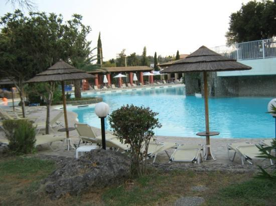 Louis Corcyra Beach Hotel: The main pool at the front