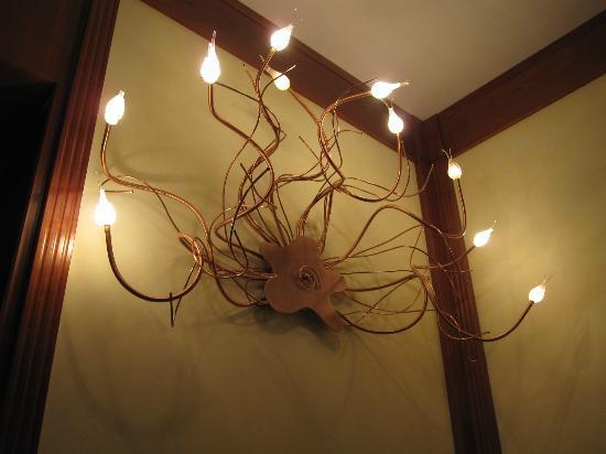 Hotel Star: éclairage chambre 23