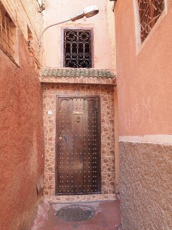 Dar Akal: walk to/from the riad