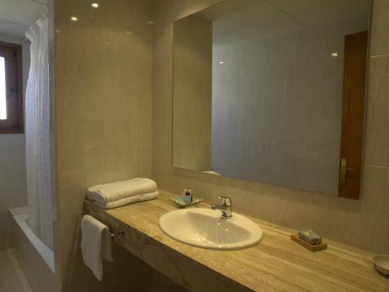 Apartamentos Arenal Playa: Baño