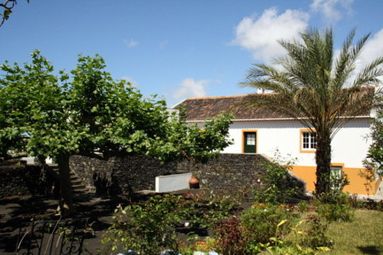 Livramento, Portugal: getlstd_property_photo