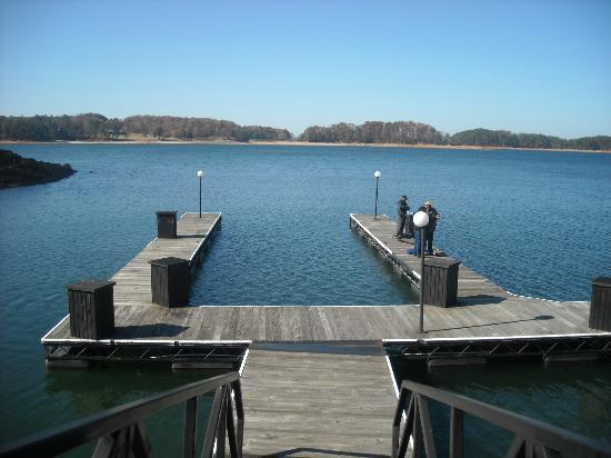 Legacy Lodge: Hotel dock