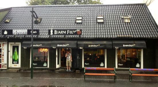 Photo of American Restaurant Bjarni Fel Sportsbar at Austurstraeti 20, Reykjavik 101, Iceland