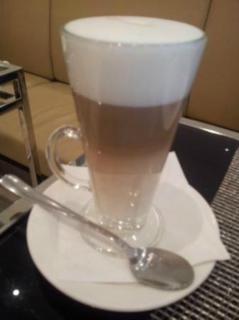 Design Hotel Josef Prague: Extra zum Frühstück - Latte Macchiato