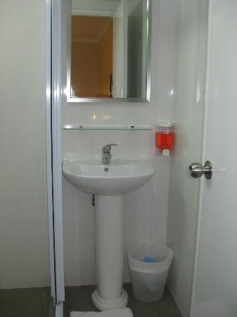 hangout@mt.emily: il bagno-lavandino