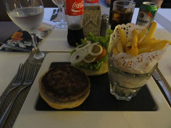 NH Punta Cana: My hamburger and fries-exquisitely displayed