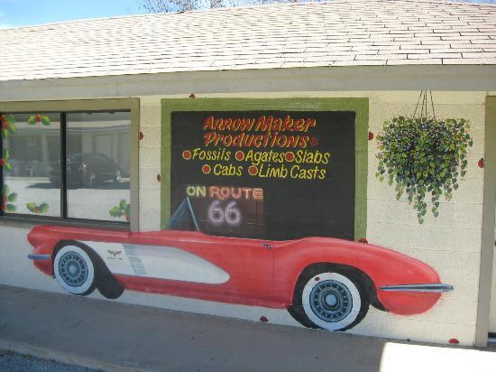Aztec Motel & Gift Shop: Corvette Mural