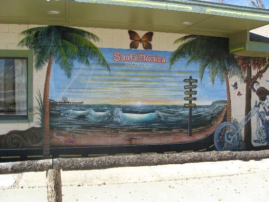 Aztec Motel & Gift Shop: Santa Monica Mural